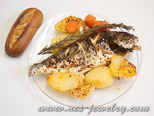 Baked fish with rosemary and garlic