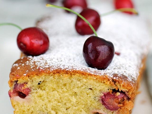 Cherry and amaretto cake